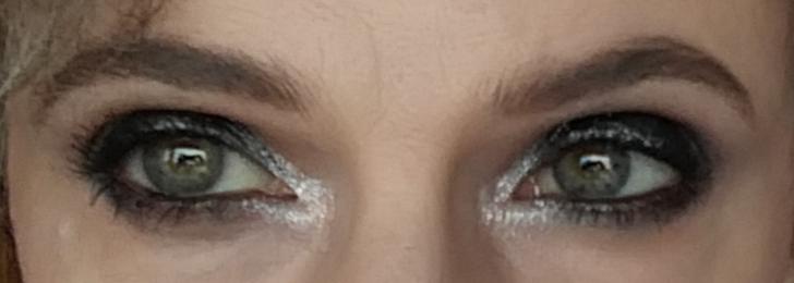 Stila Vivid & Vibrant Eye Shadow Duo in Labradorite / Overshadow und Inner Corner Highlight: Rival de Loop Young Crystal Pigments in Silver Quest